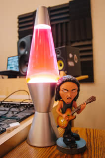 Tiny Kirk and the lava lamp